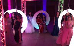 Stephanie Vazquez, Isabel Ortega, Karla Alderete, Samantha Mondragon, Paulina Escobar, Kimberly Herrera, Marielena Mendoza, Emily Guillen, Leslie Portillo and Jasmine Lopez take advantage of the photo op!
